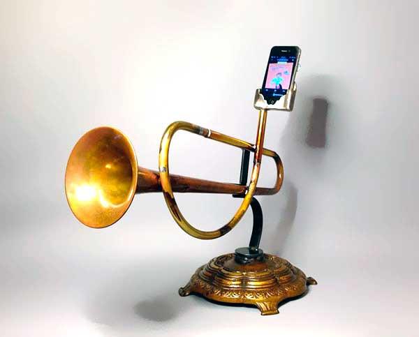 Акустика из старых духовых инструментов